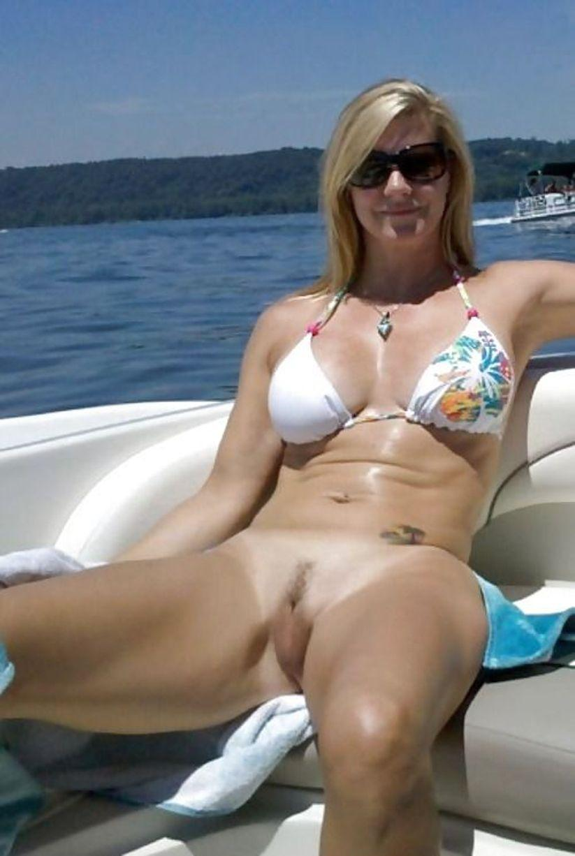 Two Curvaceous And Sassy White Milf Babes Catch Each Others Pussy Amateur Milf Mom Wife Wives Housewife Lesbian Nude Mature Cougar