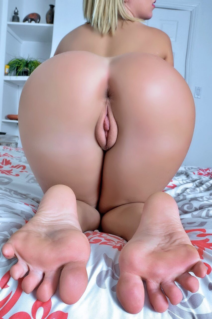 picture index smutpin porn pins of your favorite smut Amateur, Baldpussy, Barepussy, Blonde, Cunt, Drinking, Labia, Mound, Nopanties, Rearview, Skirt, Skirtliftedup, Tanktop, Tightass, Whitetop