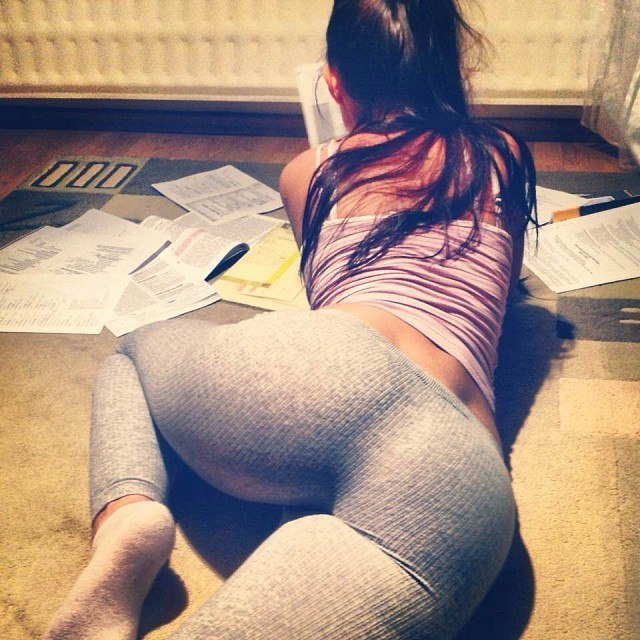 Young Teen Jeans Tightjeans Tightpants Ass Tight Tightass Clothedfemale Cf Nonnude Realgirls