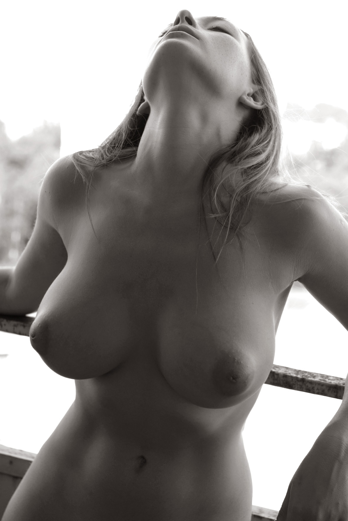 blonde hottie squirts while riding cock